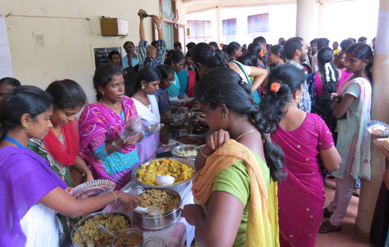 Tasty millet dishes were sold by Kudumbam