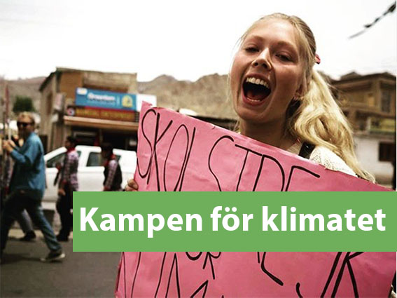 Klimatstrejk i Ladakh. Julia Bergmann praktikant på LEDeG demonstrerar i Leh.